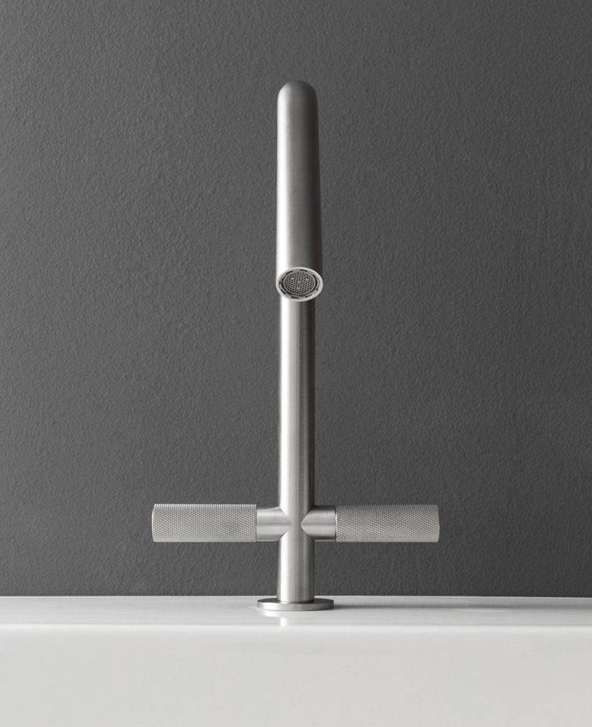 Brushed metal washbasin faucet